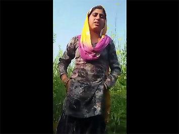 Sexy Haryana Indian Girlfriend Nude In Open Fields