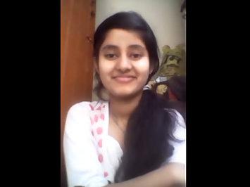 Pakistani Young Sexy School Girl Boob Show MMS
